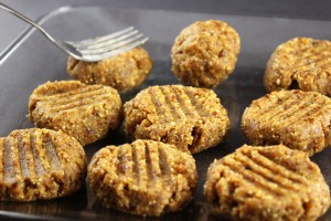 Raw Vegan Peanut Butter Cookies