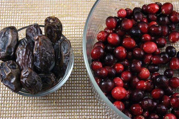 Raw Vegan Cranberry Sauce Ingredients