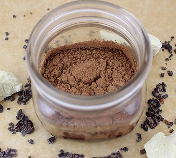 raw vegan cacao powder
