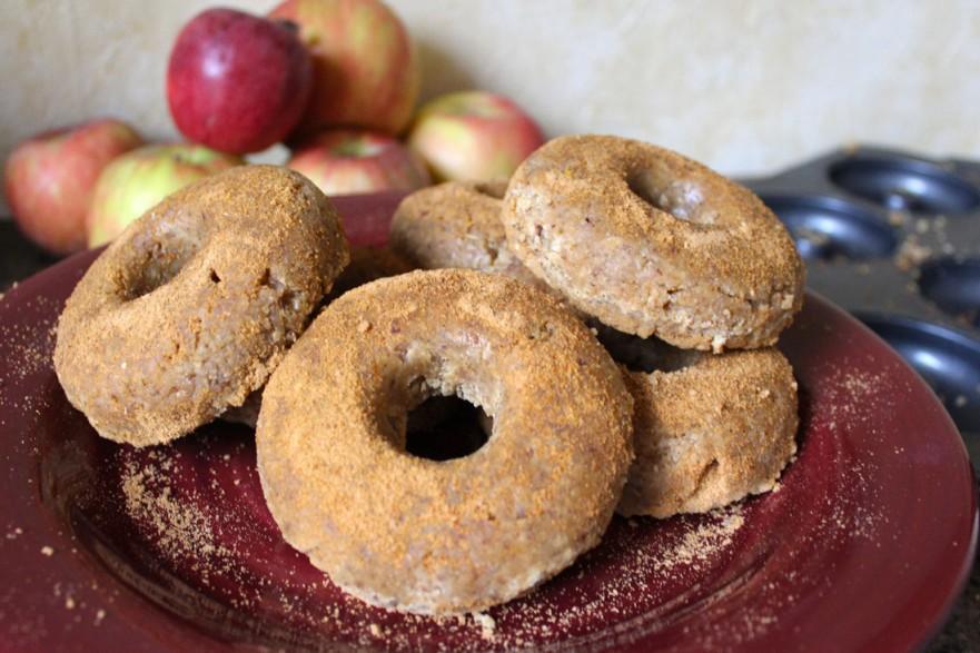 Raw Vegan Apple Cider Doughnuts