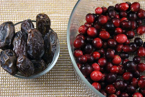 Raw Vegan Cranberry Sauce Ingredients