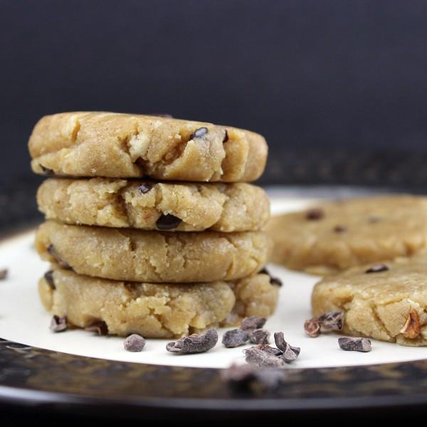 Raw Vegan Chocolate Chip Cookies