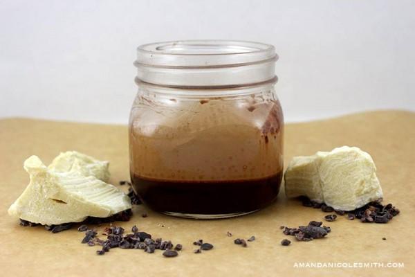 Raw Vegan Caramel Chocolate Sauce