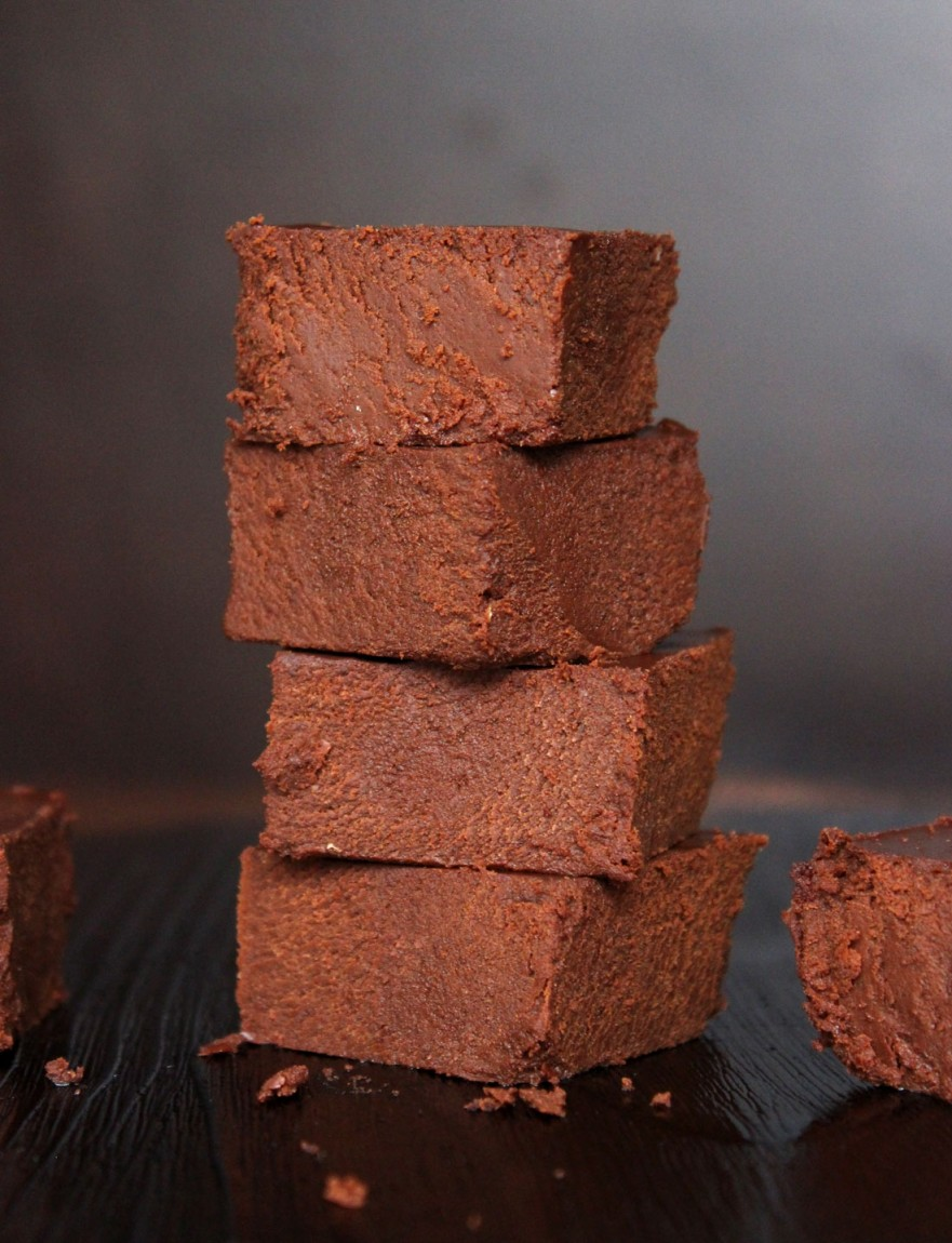 Easy Raw Vegan Fudge