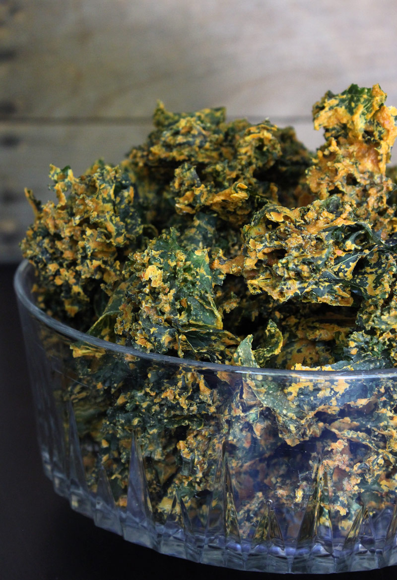 Raw Vegan Cheesy Kale Chips